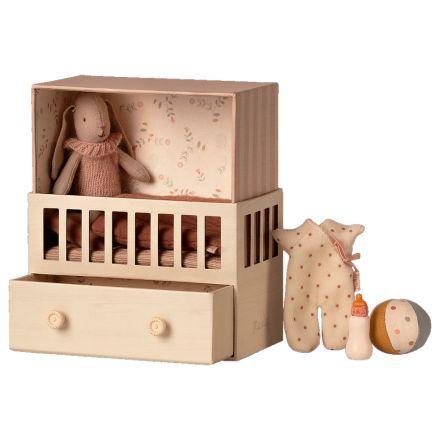 Chambre pour bébé lapin - Ocre