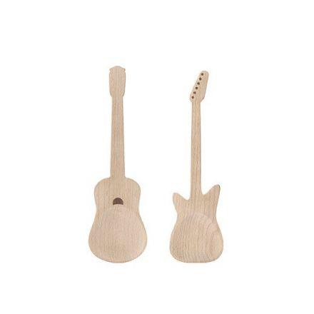Couverts en bois en forme de guitare
