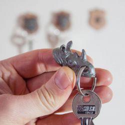 Porte-clefs aimanté trophée rhinocéros